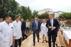 В РКЦ состоялась церемония закладки капсулы в основание хирургического корпуса и дан старт его строительству.